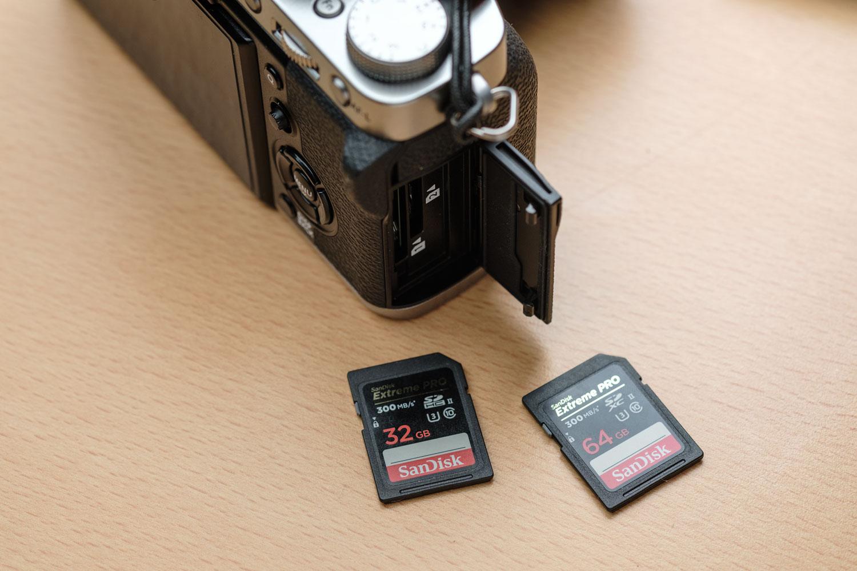 X-T3と、SDカード2枚